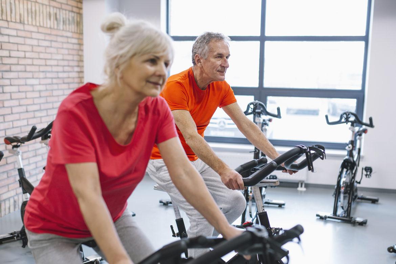 seniorzy, styl życia, sport, aktywność fizyczna