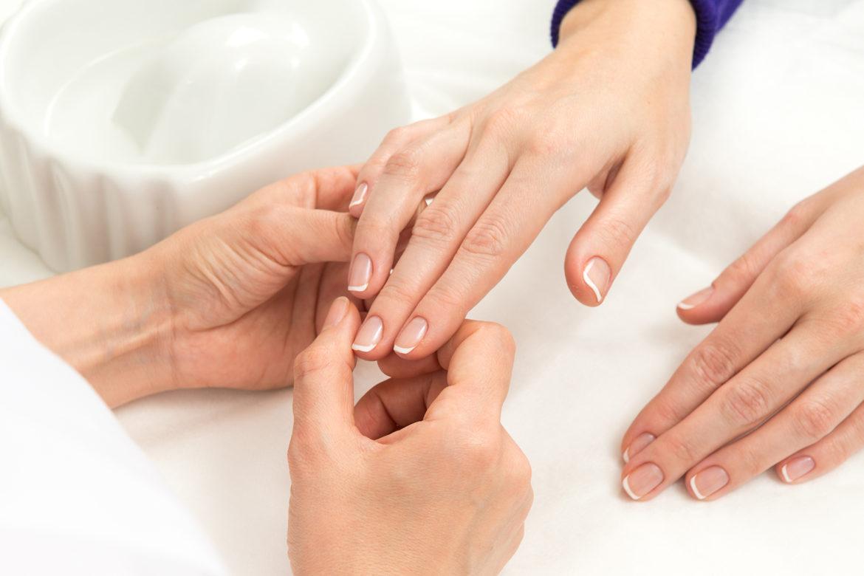 paznokcie, manicure, zdrowie, poradnik, styl życia