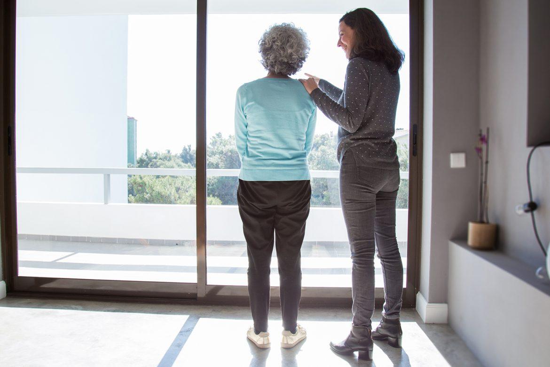 prawo, usługi opiekuńcze, senior, opieka społeczna, odpłatność za usługi opiekuńcze