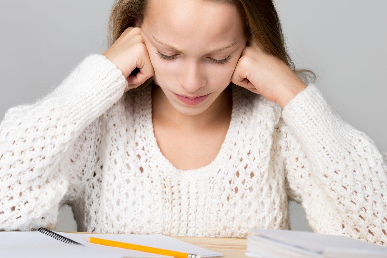 dziecko, nauka, stras, przeciążenie, depresja, szkola, nauczyciele, poradnik, zajęcia dodatkowe, wychowanie