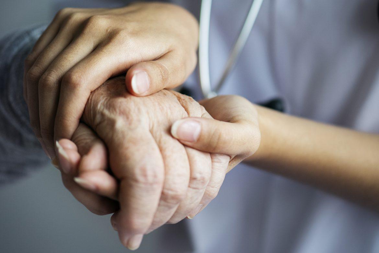fizjoterapia, opieka paliatywna, fizjoterapeuta, długotrwala choroba, umieranie, wsparcie,