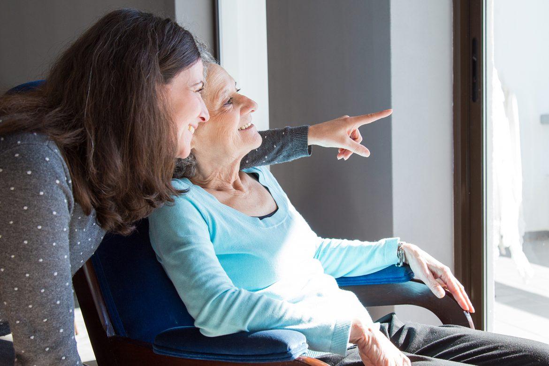 hospicjum, opieka długoterminowa, opieka terminalna, śmierć, umieranie, hospicjum stacjonarne, hospicjum domowe, wywiad, pacjent i opiekun, opieka psychologiczna, walka z bólem,