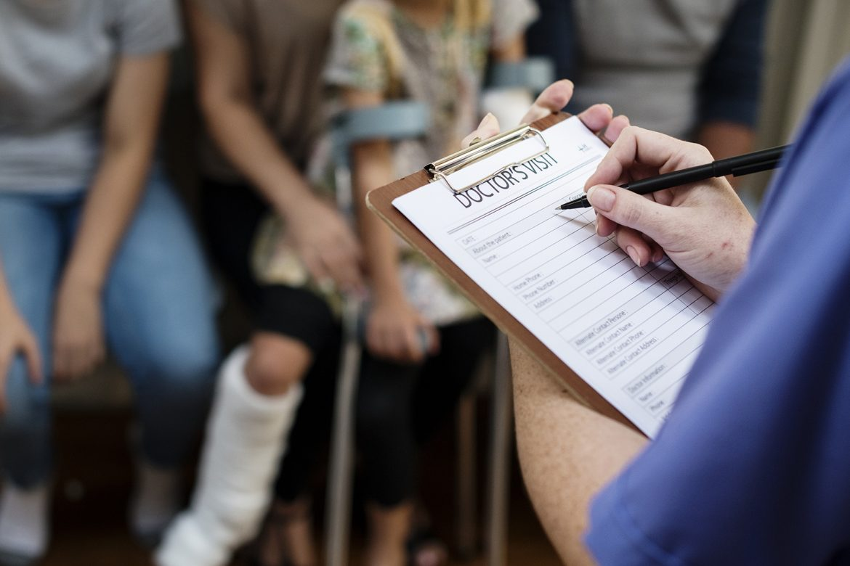 niepełnosprawność, prawo, kolejka do lekarza, kolejka do specjalisty kolejka do apteki