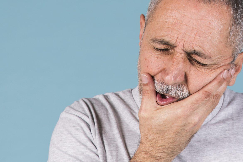 stomatologia, otępienie, choroby zębów, opieka stomatologiczna, otępienie, opieka nad pacjentem,