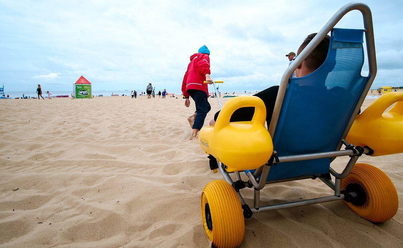 wózek amfibia,, pacjent, niepełnosrpawność, plaża, morze, dostępność, gdańsk