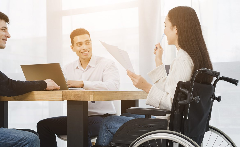 asystentk osobisty, osoba niepełnosprawna, niepełnosprawność, asystencja osobista, inteligentna proteza