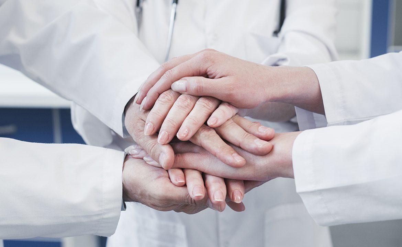 domowe żywienie dojelitowe, personel medyczny, lekarz, pielęgniarka, fizjoterapeuta, farmaceuta