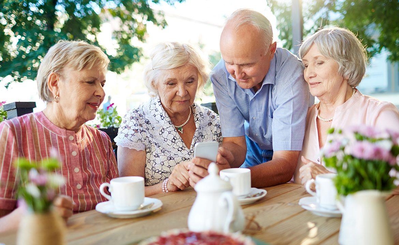 senior, niedożywienie, demencja, dysfagia, pacjent i opiekun, opieka nad osobą starszą