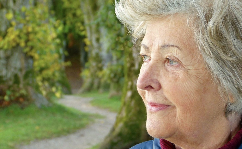 choroba otępienna, choroba alzhemimera, komunikacja z chorym, jak się dogadać z chorym, pacjent i opiekun