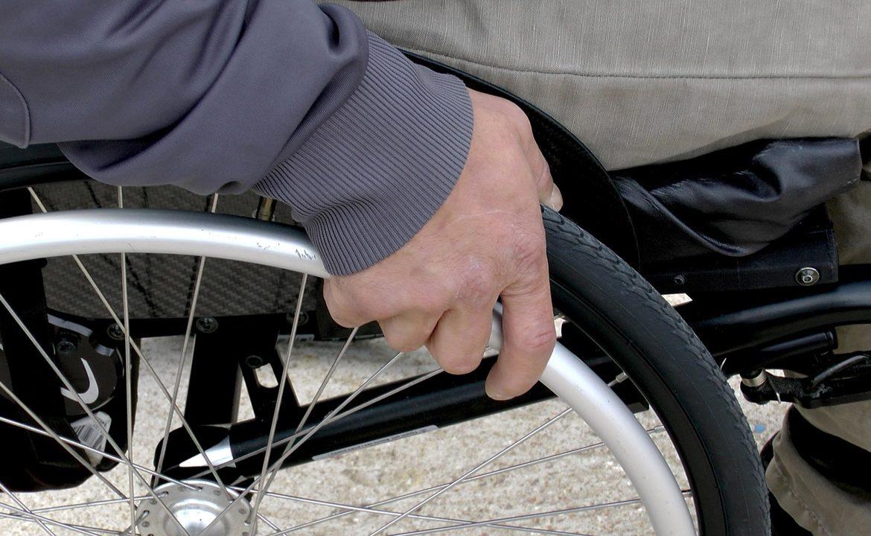 niepełnosprawność, osoba z niepełnosprawnością, dom pomocy społecznej, zakład opiekuńczo-leczniczy, centrów opiekuńczo-mieszkalne, samorząd