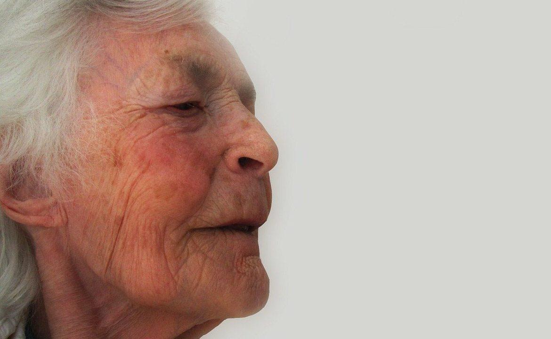 demencja, mieszkanie, ułatwienia dla chorego,