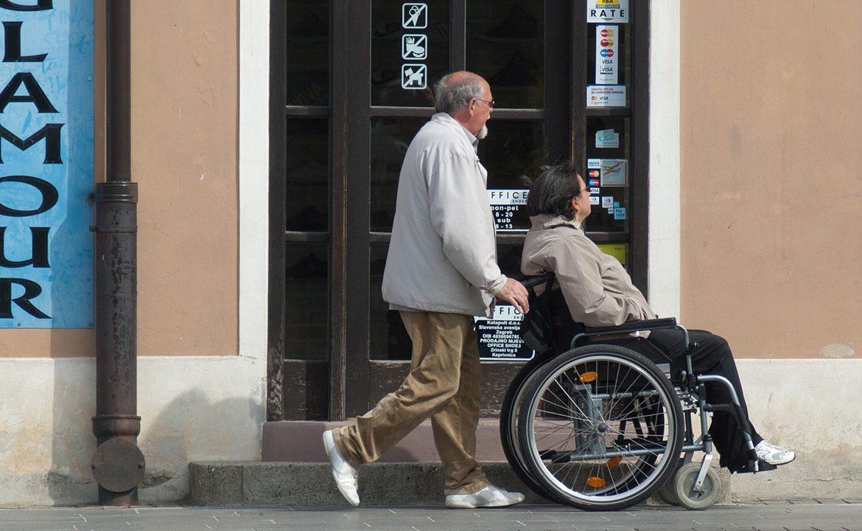 asystent osobisty, osoba z niepełnosprawnością, niepełnosprawny, pomoc dla niepełnosprawnych, wsparcie dla niepełnosprawnych, samorząd
