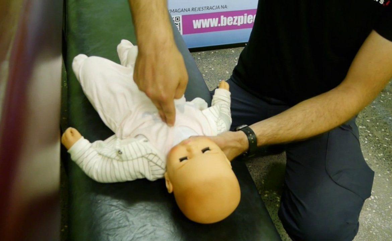 dziecko, macierzyństwo, pierwsza pomoc, dziecko nie oddycha; rodzice