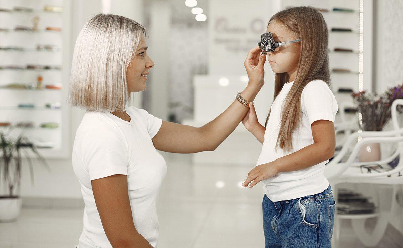 widzenie, okulista dla dziecka, dziecko u okulisty, wzrok; dziecko, kłopoty ze wzrokiem