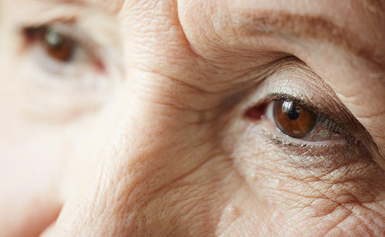 pacjent, depresja, pscyhilog, dziadek, babcia, objawy depresji u seniorów; opieka nad pacjentem, geriatria