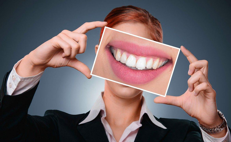 stomatolog, lekarz, dentysta, proteza, implant stomatologiczny, pacjent , zęby