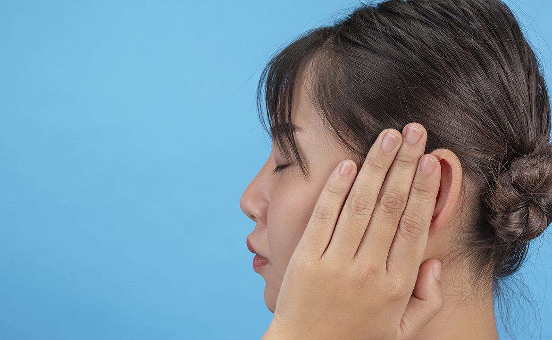słuch, lekarz, wywiad, pacjent, utrata słuchu, jak dnbać o słuch, laryngolog, prof. Henryk skarżyński